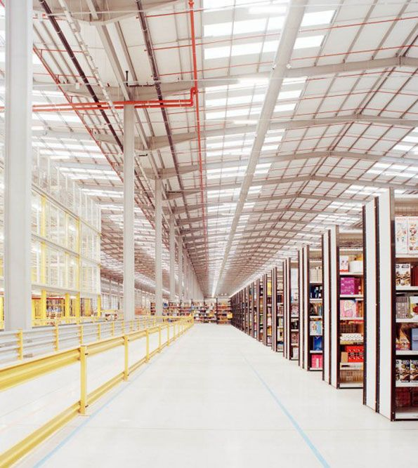 A Look Inside An Amazon Distribution Warehouse Amazon Unpacked