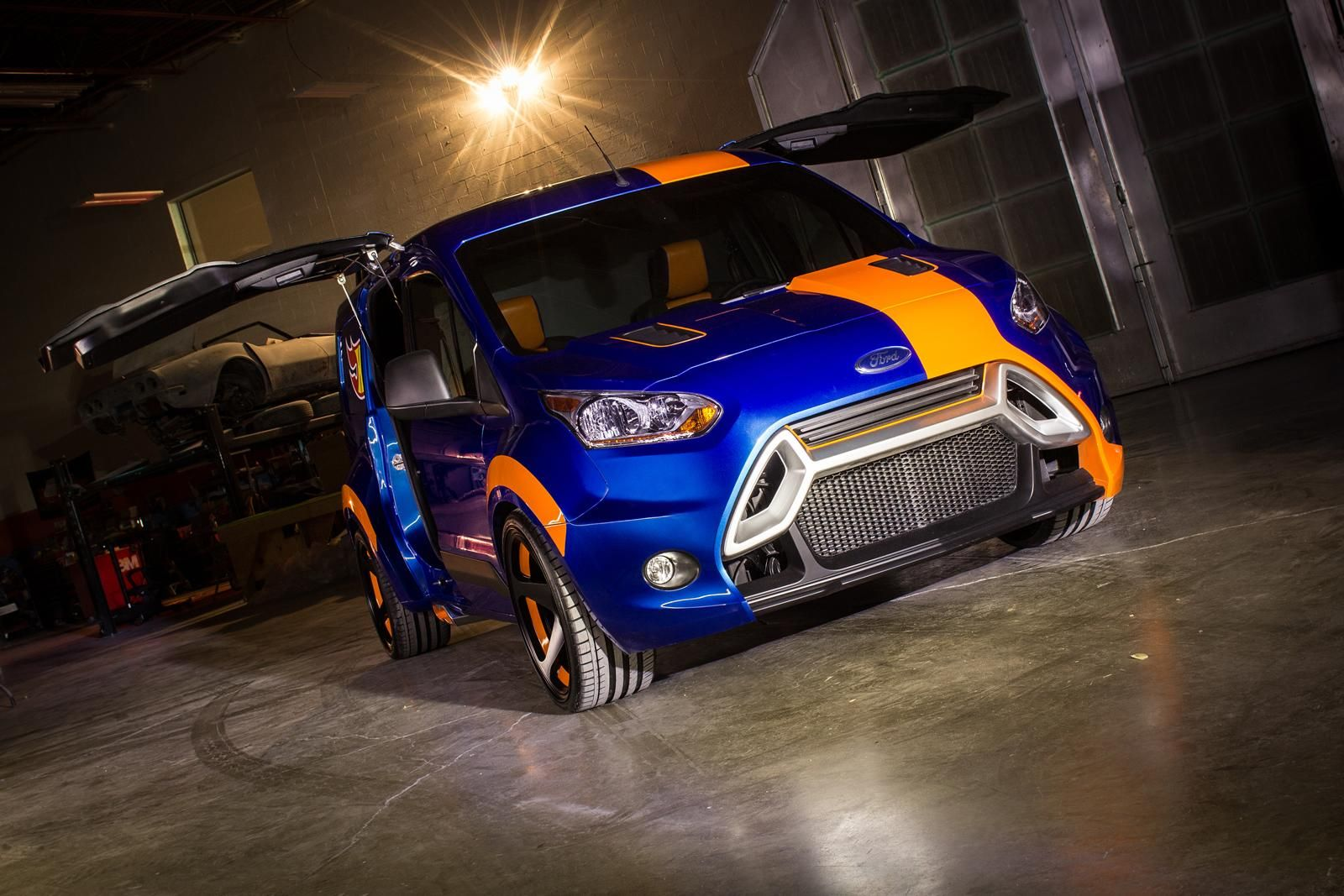 2014 ford transit connect hot wheels concept the hot wheels transit connect features an entirely custom euro look wide body kit rotiform roc