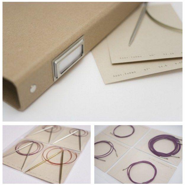Archiva las agujas circulares dentro de una carpeta llena de organizadores de 4 compartimentos.