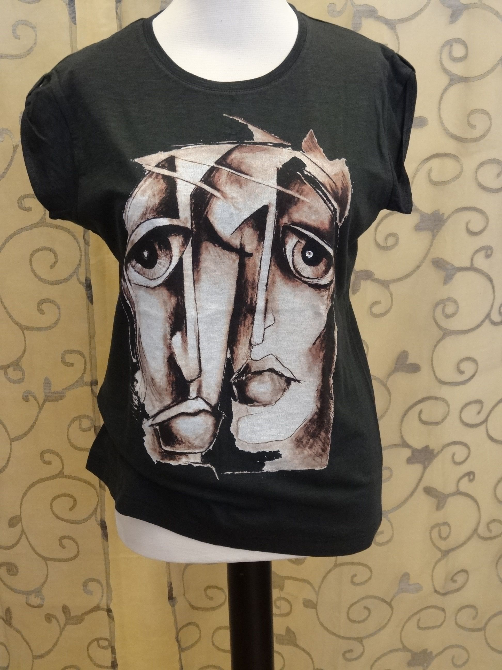Womens T-shirt with original painters design garanteed by certificate, 100% cotton, stylish sleeve. Top Ten T's