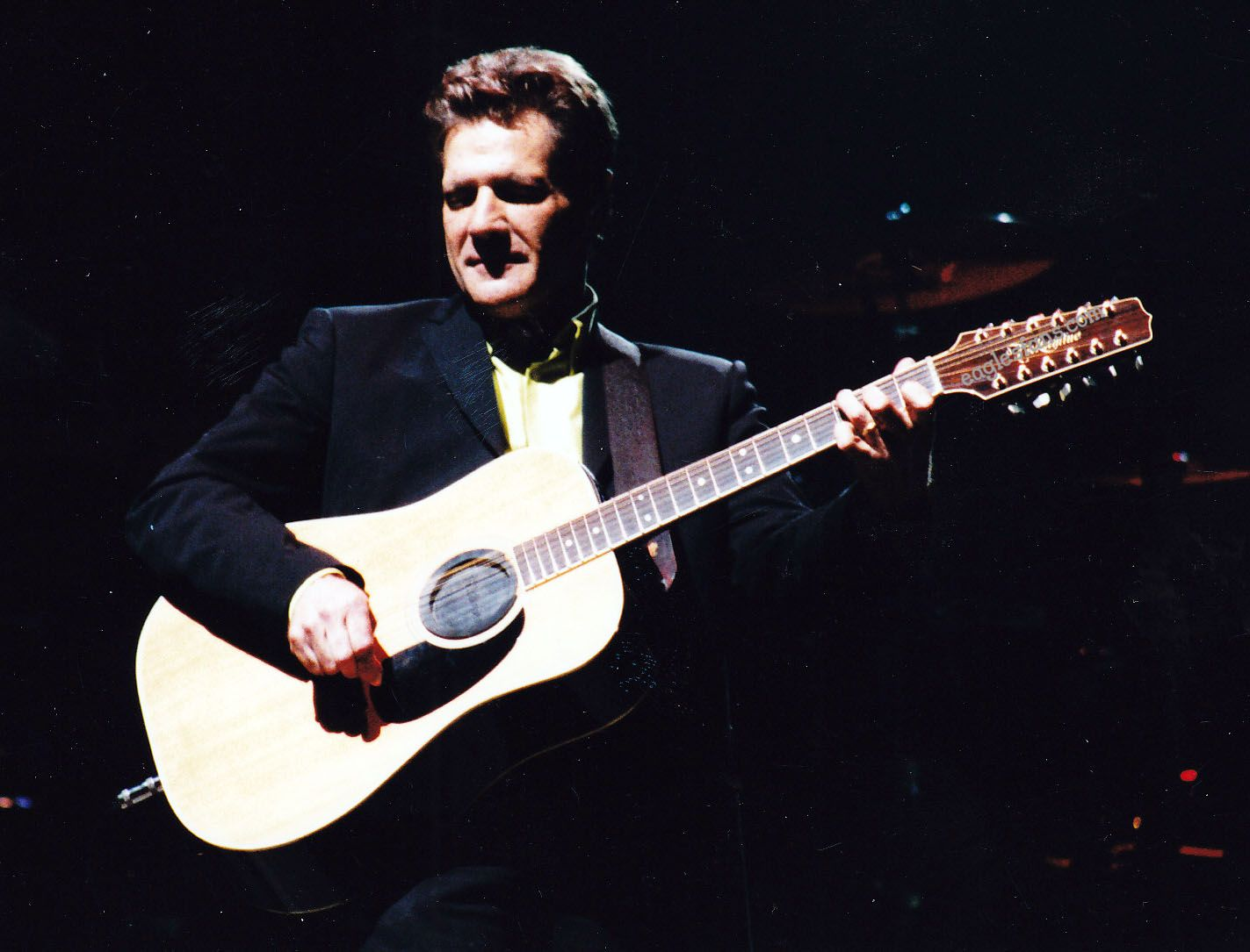 Glenn Frey at Earl's Court in London 2001 Photo by Lisa Mielke Curated by eaglesfans.com