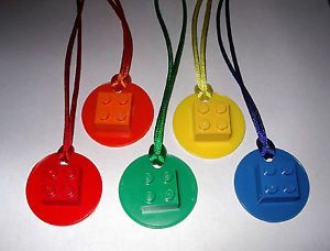 30-LEGO-BRICK-2X2-ON-DISK-NECKLACES-WITH-COLOR-CORDS-PARTY-FAVOR-BIRTHDAY