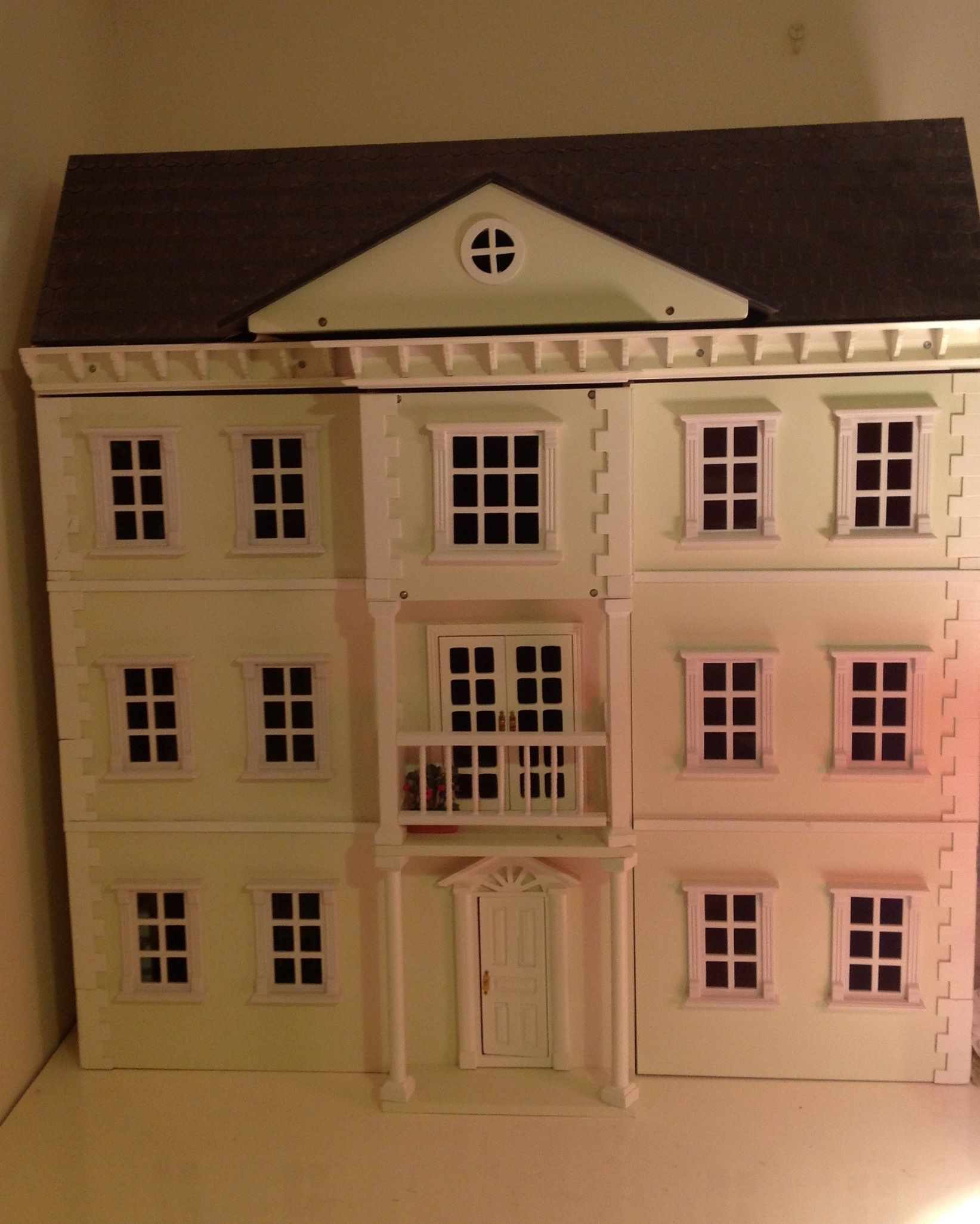 Mayfair dolls house, possibilities are endless!