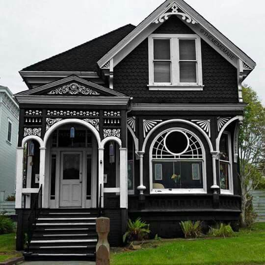This house is gorgeous and so creepy! <3 thecomfycatcrafts.etsy.com on original victorian house plans, cool victorian house plans, san francisco victorian house plans, old victorian house plans, big victorian house plans, vintage victorian house plans, beautiful victorian house plans,