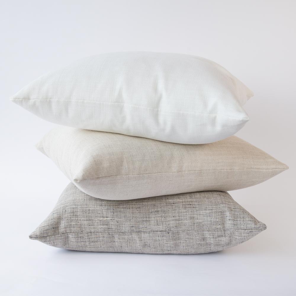 Quinto 22x22 Pillow Vanilla In 2020 Pillows Solid Pillow Pillow Combos