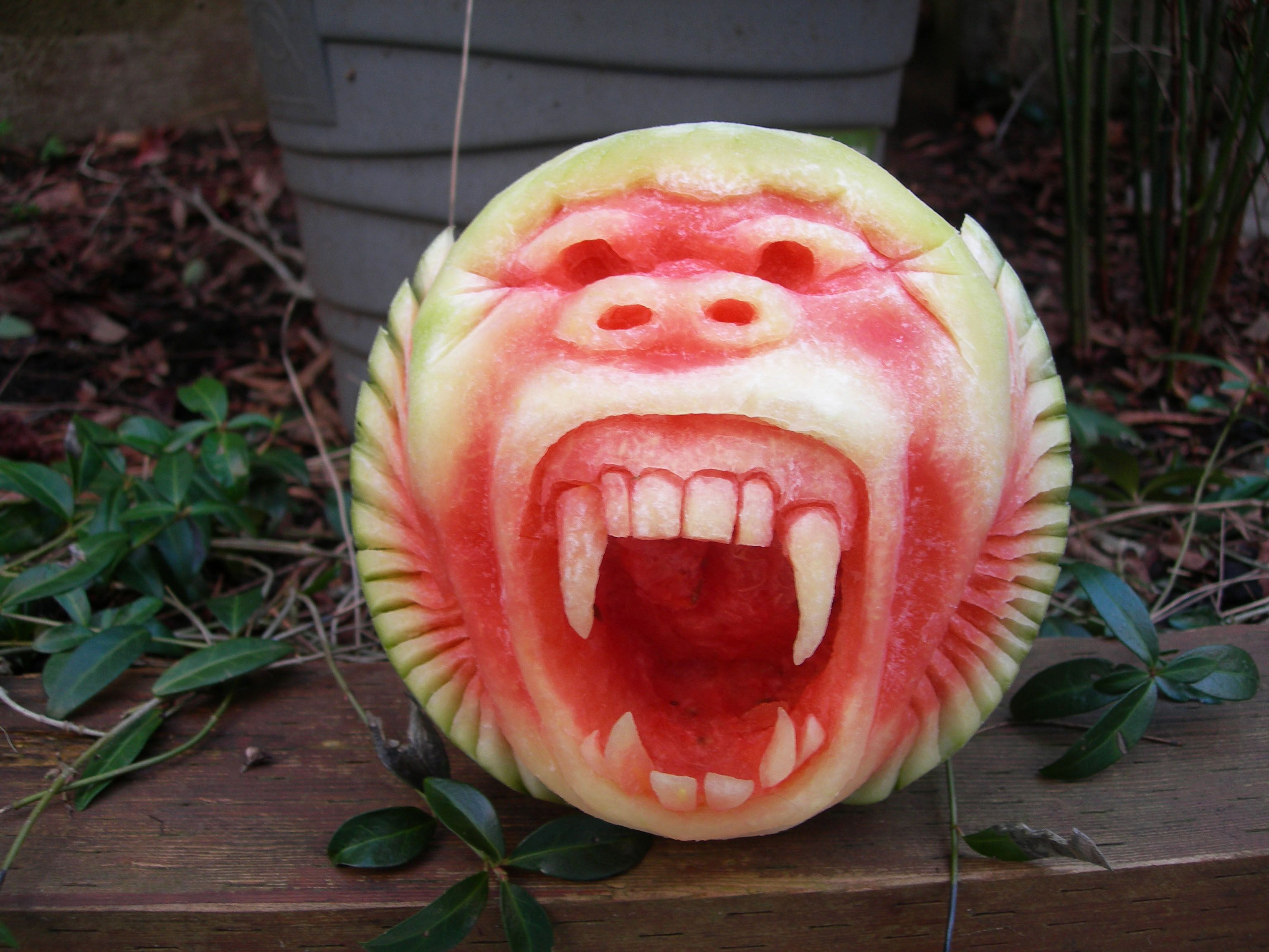 Impress Your Friends This Th With A Super Cool Gorilla Watermelon - Incredible sculptures carved watermelon