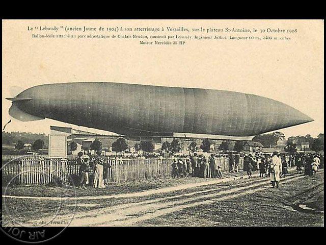 Le 30 octobre 1908 dans le ciel : Atterrissage de fortune du « Lebaudy n° 2 » suite à une panne moteur