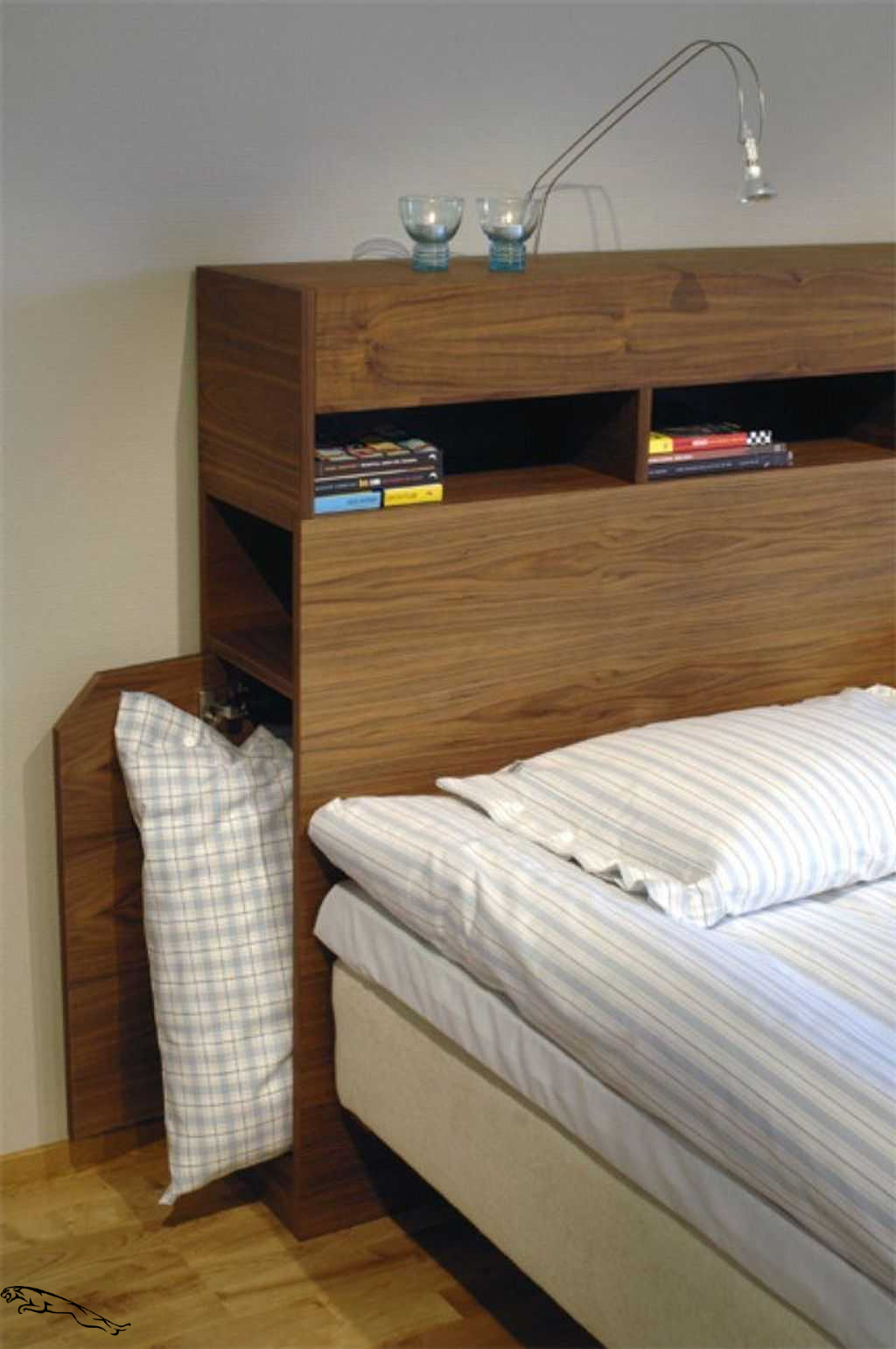 Small Bedside Table Ideas: 34 Modern Plywood Bedside Table Design Ideas For Bedroom