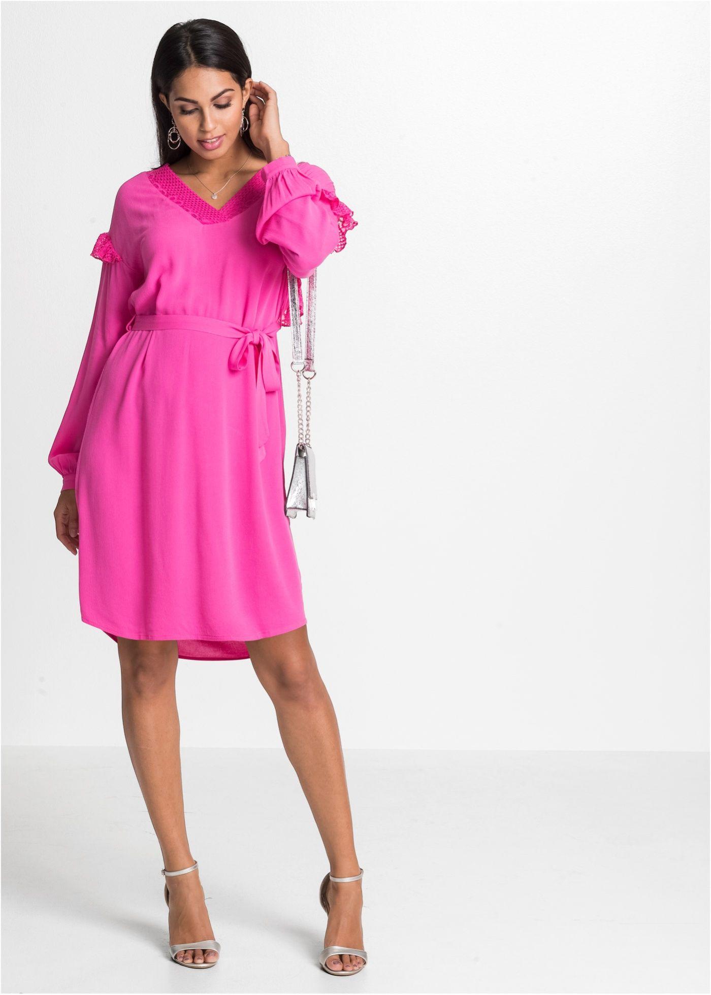 Modische Kleid mit schönen Spitzen-Einsätzen und einem Bindeband