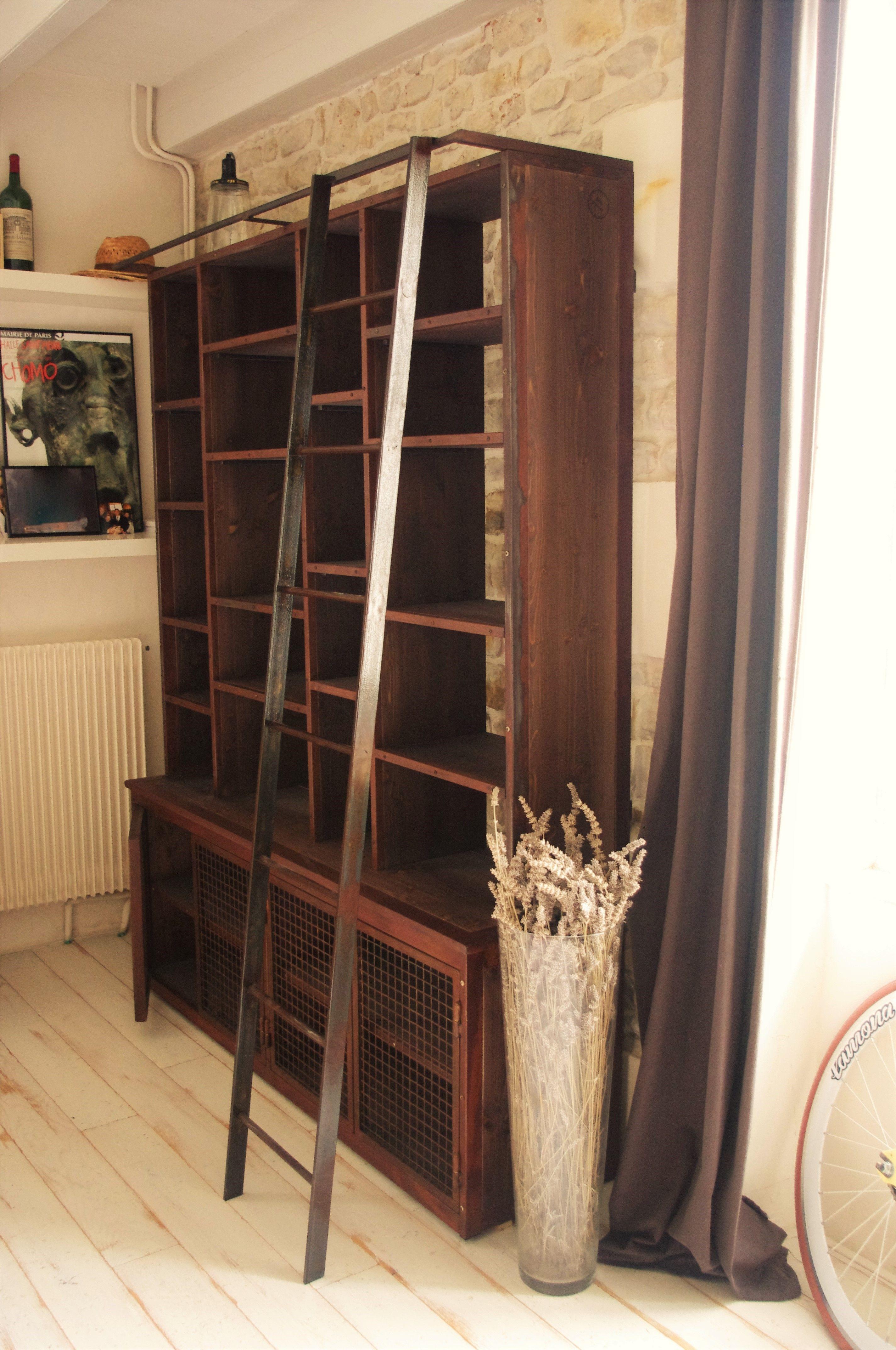 Biblioth que rouill e avec chelle fabrication artisanale sur mesure rouille industriel for Meuble bibliotheque avec echelle