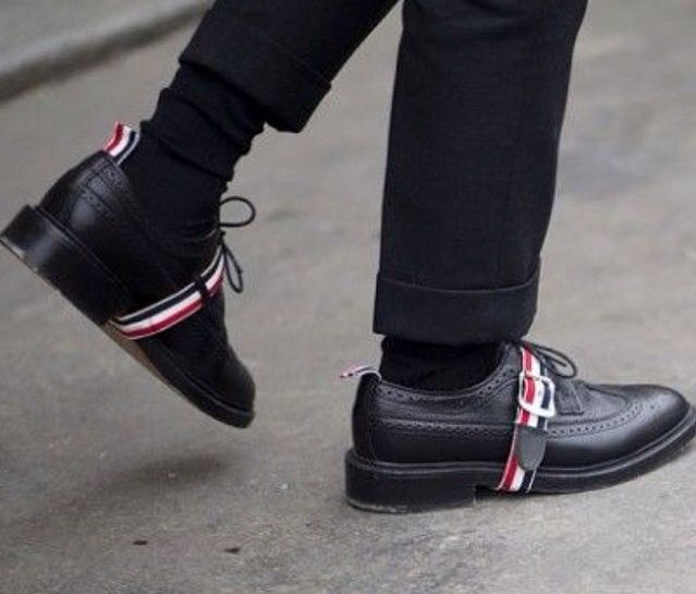 Black Strap Longwing Brogues Thom Browne Buy Cheap Low Shipping zBSH4Yp