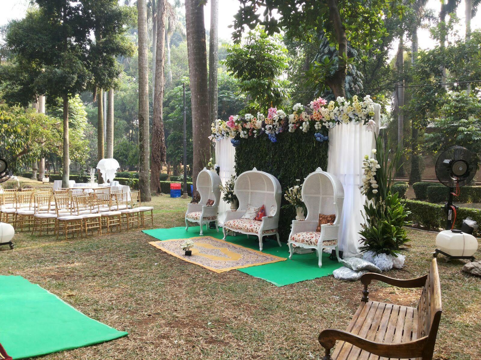 Pernikahan Outdoor Putri Dan Adit Di Taman Langsat Jakarta
