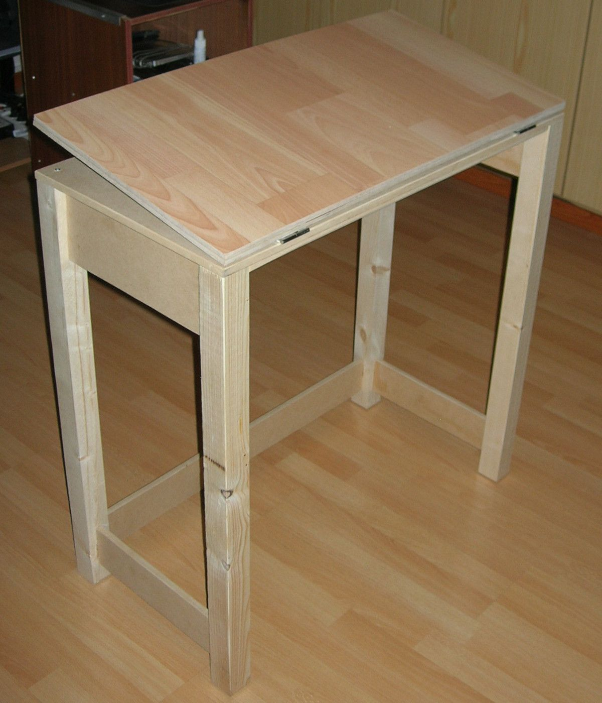 Diy wood folding table - I Ve Been Playing Around With The Idea Of Getting Myself A Small Drafting Table