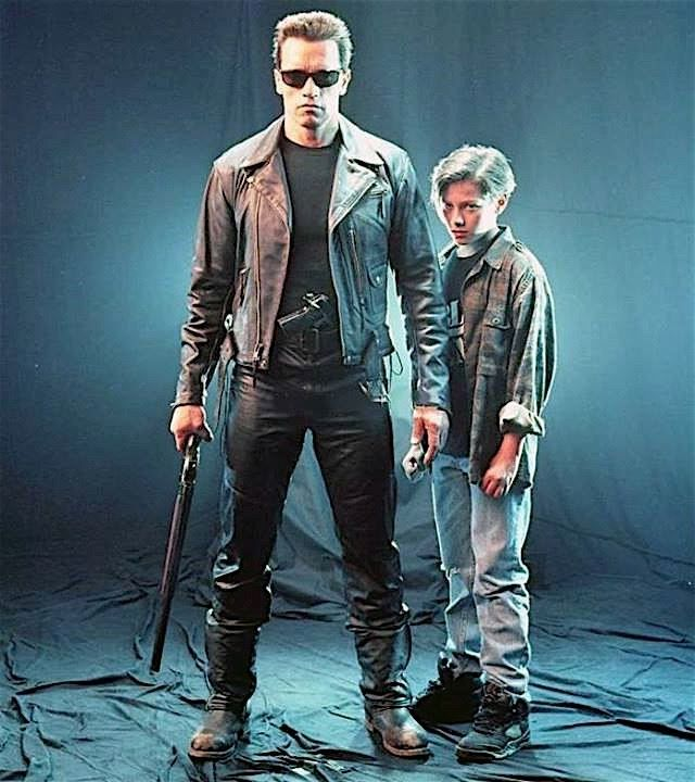 Publicity photoshoot for terminator 2 judgment day 1991 with publicity photoshoot for terminator 2 judgment day 1991 with arnold schwarzenegger edward furlong altavistaventures Gallery