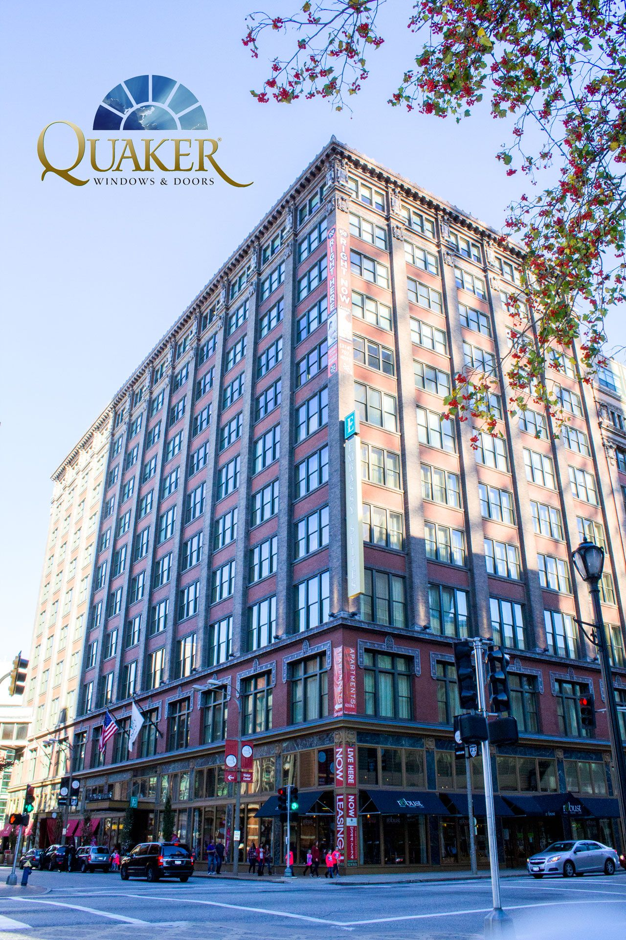 The Laurel Apartments In St Louis Mo Quaker Historical Series H300 Single Hung Windows And Q900 Swinging Doors Commercial Windows Laurel Single Hung Windows
