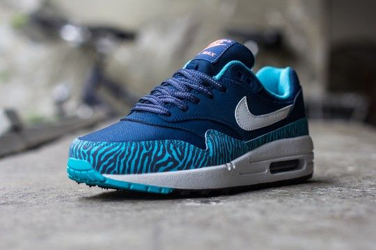 sale retailer 5b620 79ef6 NIKE AIR MAX 1 GS ZEBRA BLUE