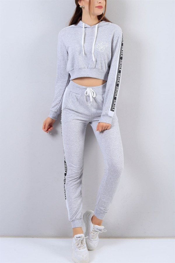 49 99 Tl Kapusonlu Esofman Takim 2020 Teenage Outfits Moda Kiyafetler Moda Stilleri