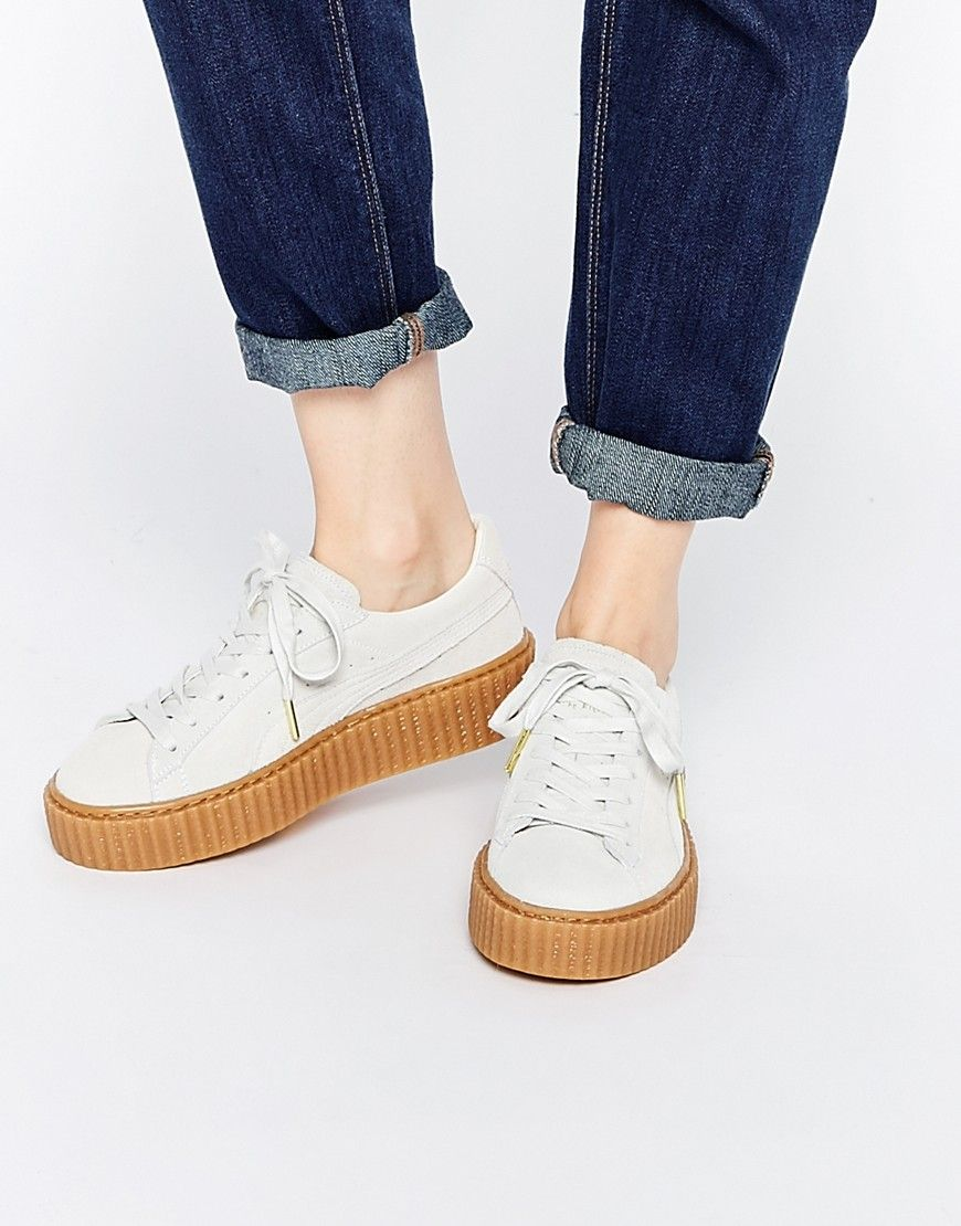 Puma by Rihanna - Baskets en daim style creepers - Blanc avoine at asos.com