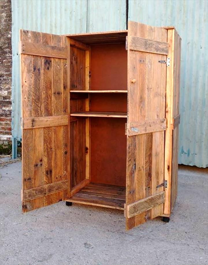 rustic pallet wardrobe tutorials pallet wardrobe. Black Bedroom Furniture Sets. Home Design Ideas