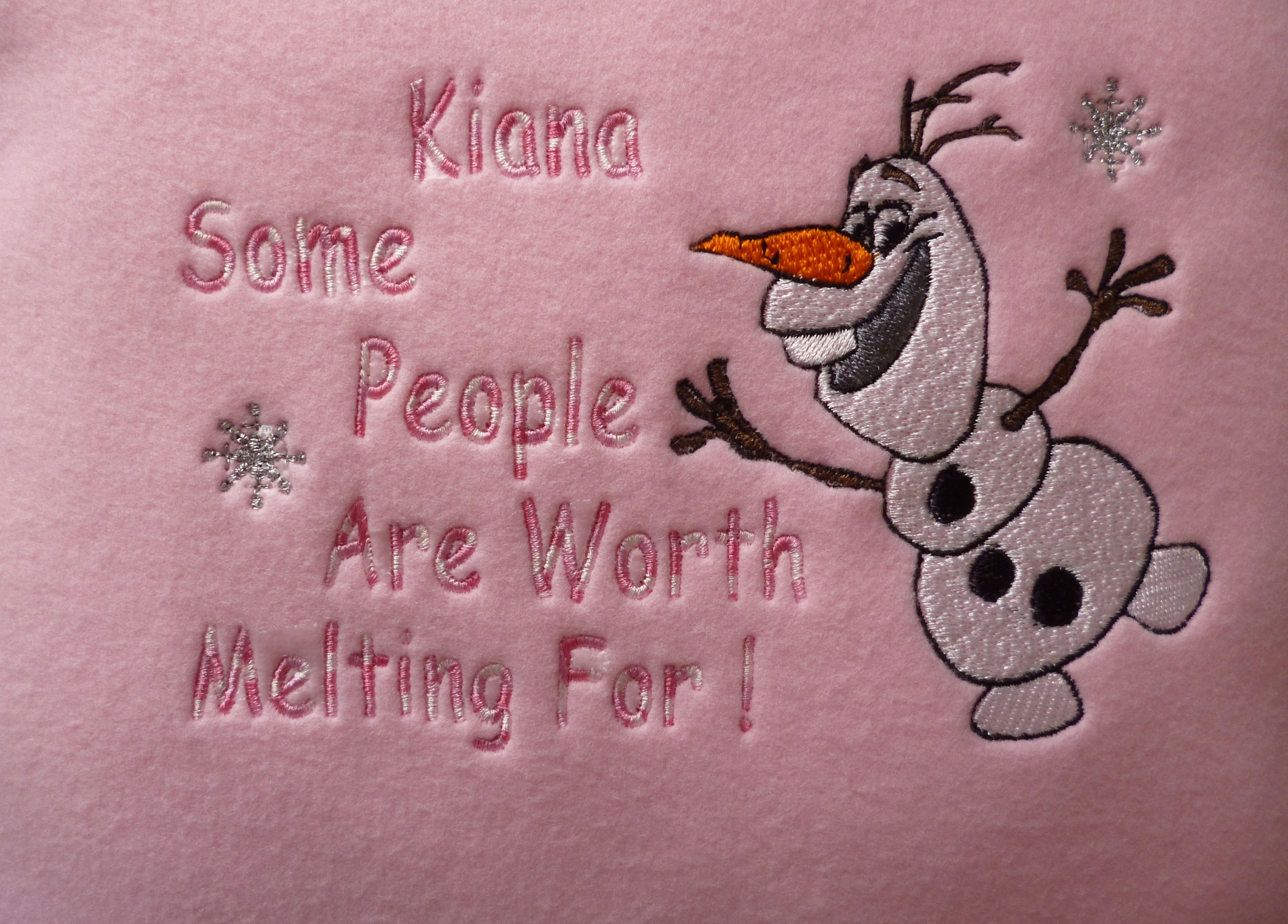 Olaf Happy Fleece Cushion 12\