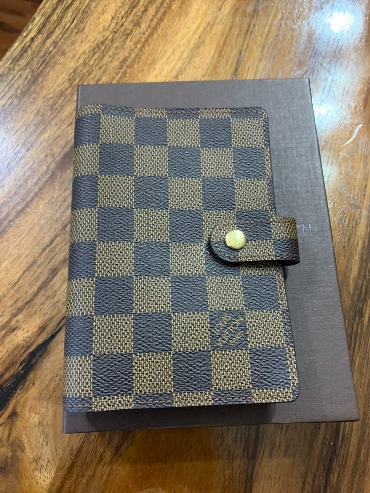 Louis Vuitton Agenda Pm Damier Ebene Almost New Condition Clean Inside And Outside No Odor Louis Vuitton Agenda Pm Louis Vuitton Agenda Louis Vuitton Wallet