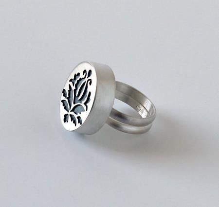 once upon a time ring by MELITINA BALABIN -FI - I so want this one!