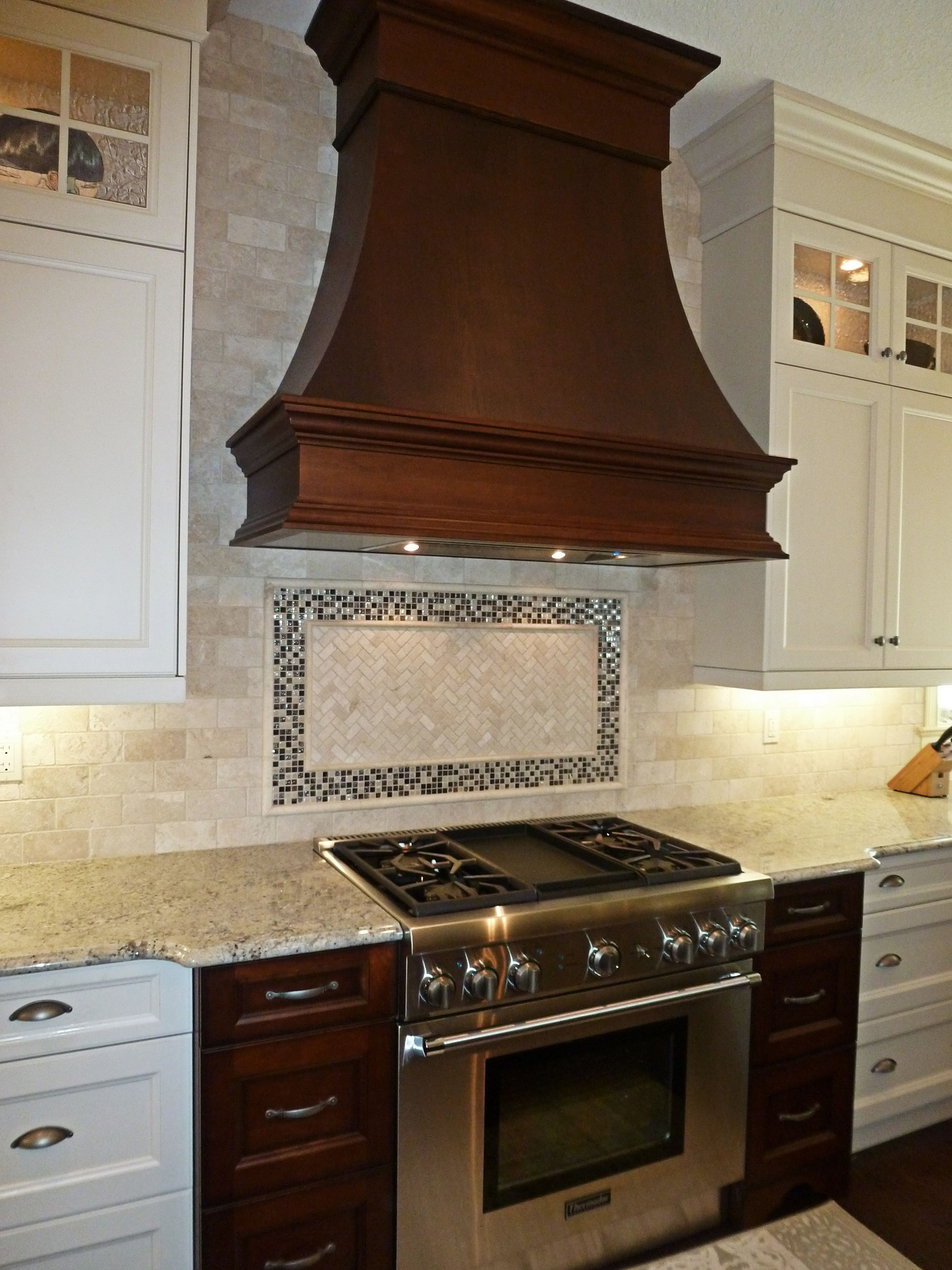 gorgeous wooden range hood ideas for elegant kitchen 20 rh pinterest com
