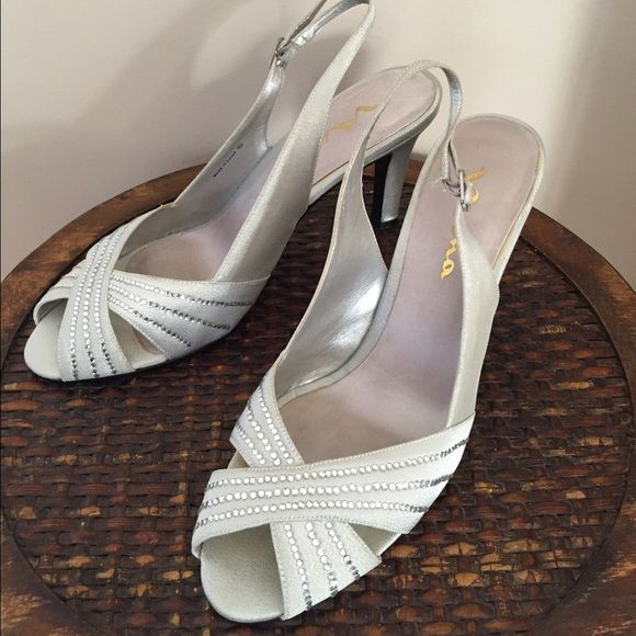 Beautiful Formal Shoe This Beautiful Nina Camille Silver Glimmer