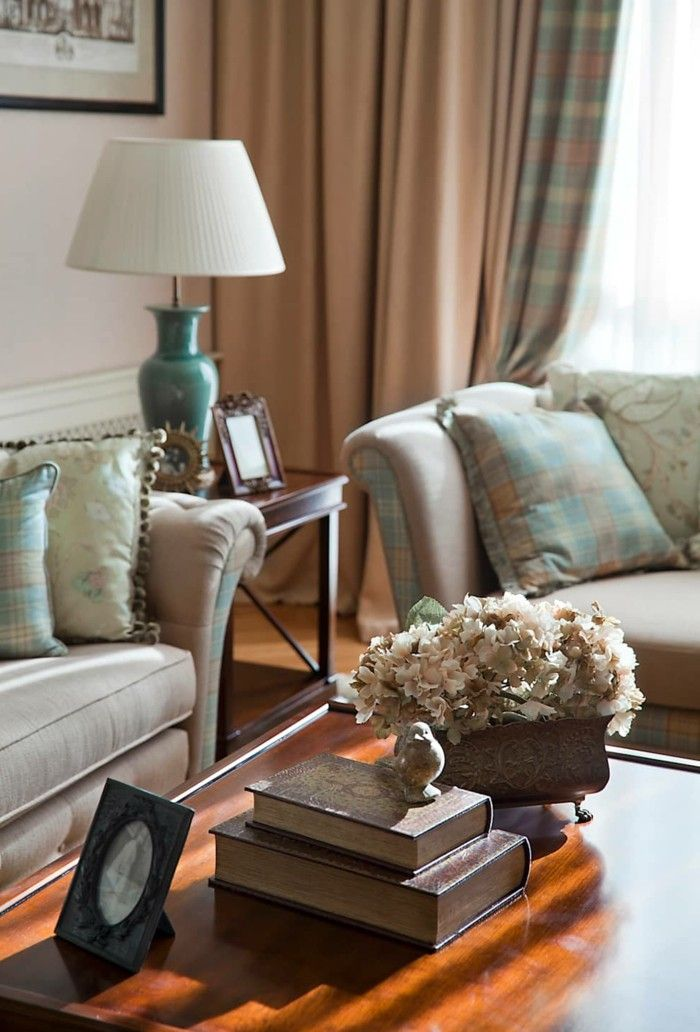 wohnzimmer einrichten ideen klassischer wohnbereich den tisch - wohnzimmer dekorieren ideen