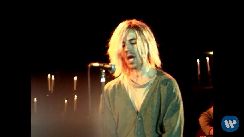 Anthony Kiedis channeling the late great Kurt Cobain in Dani California