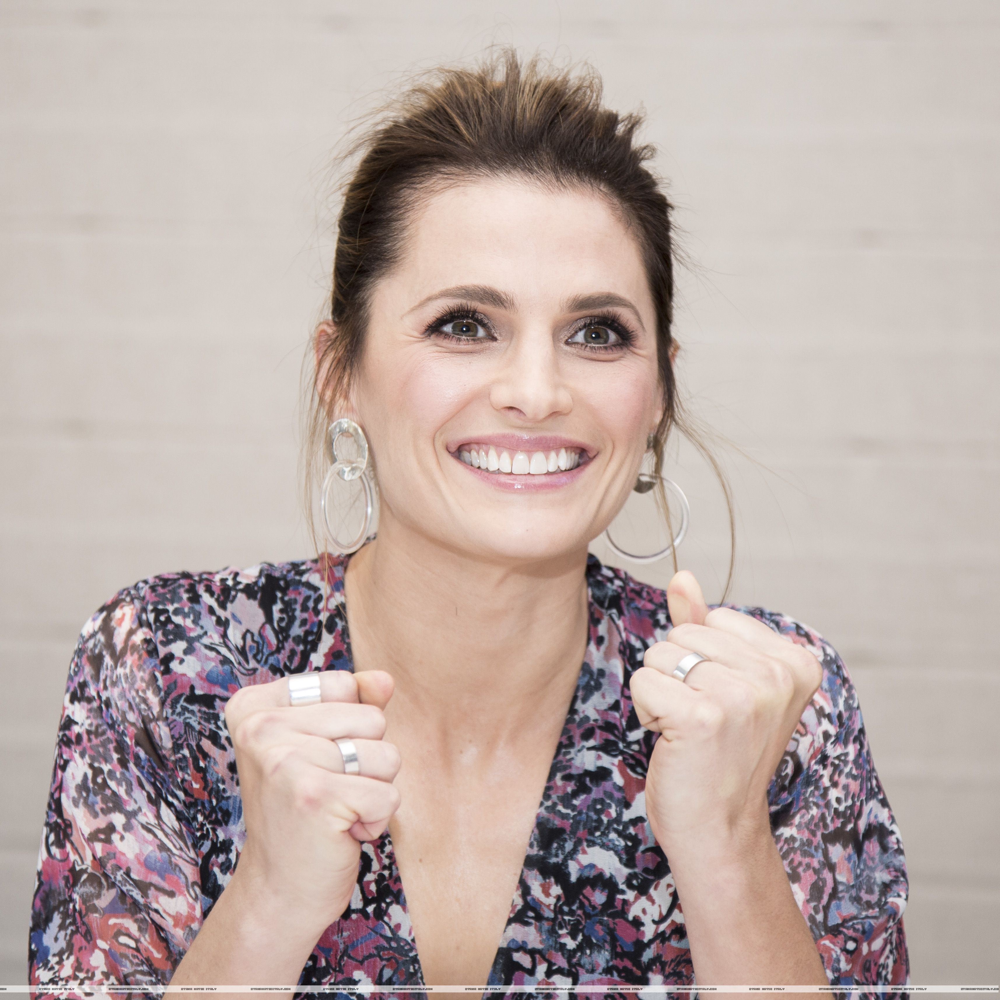Stana Katic - promotes #Absentia, #HFPA (Jan 31, 2018) #