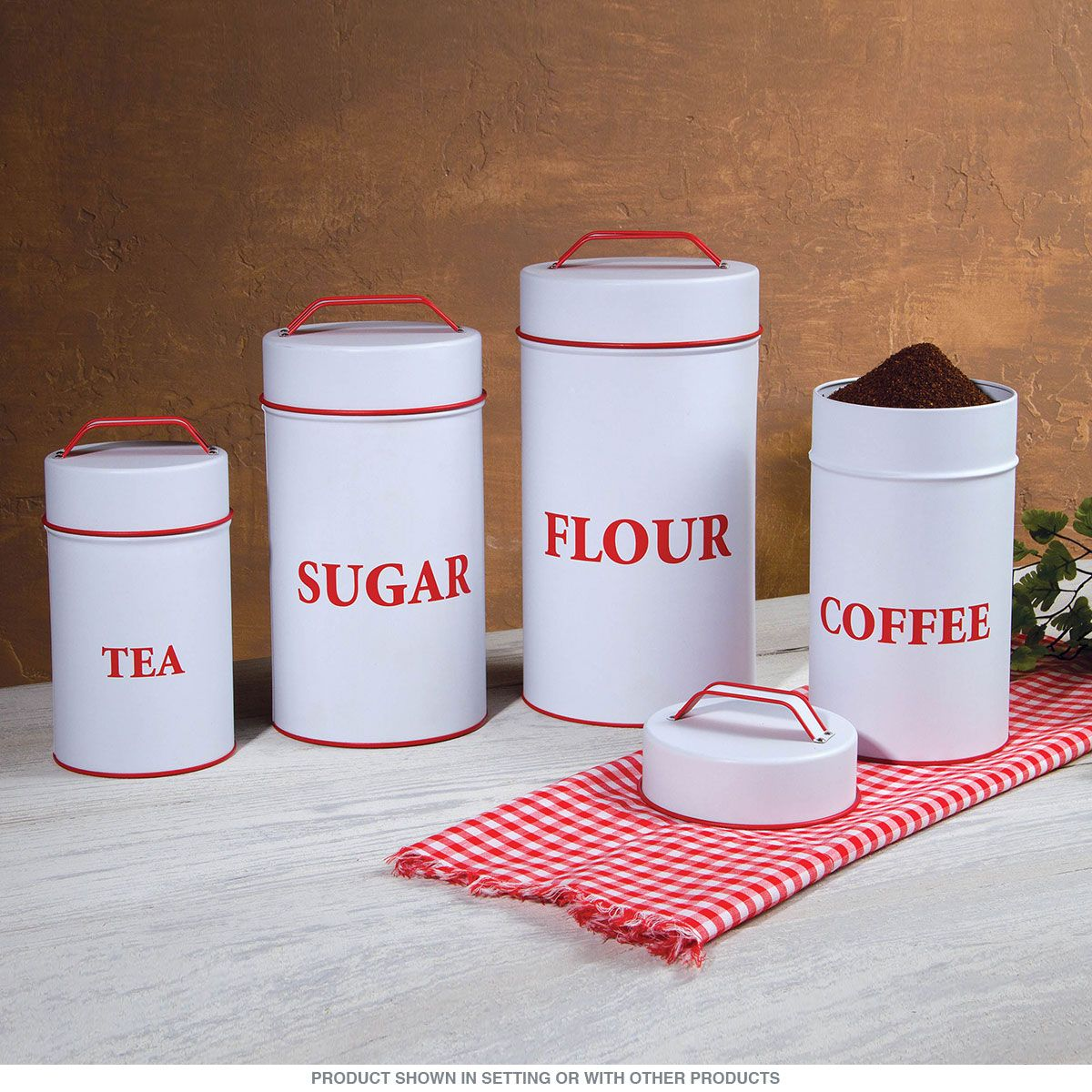 Put a lid on your kitchen essentials with retro style! This set of ...