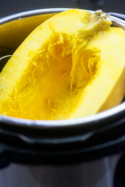 how to cook spaghetti squash in instant pot #stuffedspaghettisquash