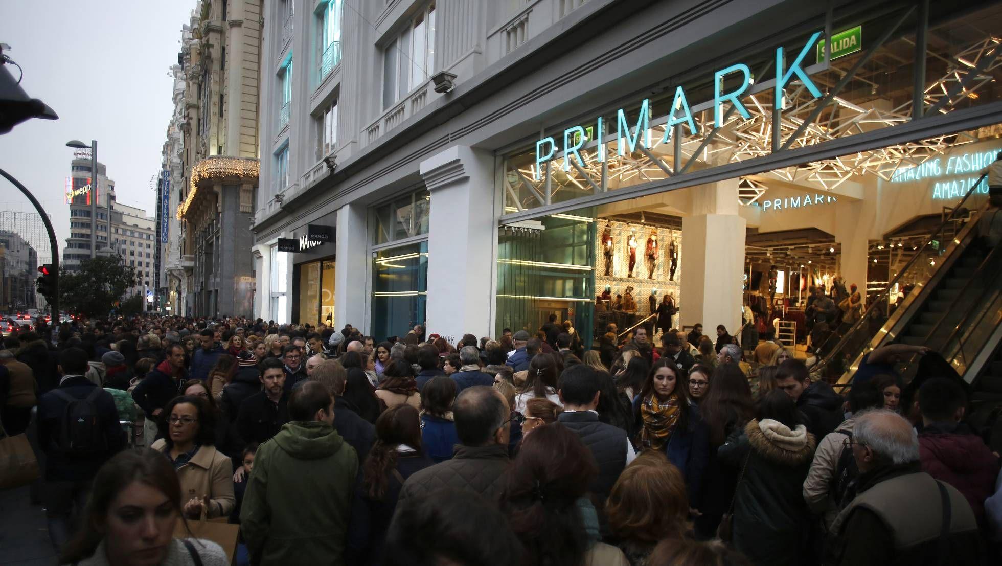 Primark O El Extasis Del Consumismo Consumismo Primark Y Dia