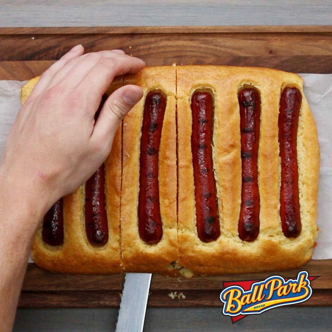 buzzfeed food/cornbread bun chili dog
