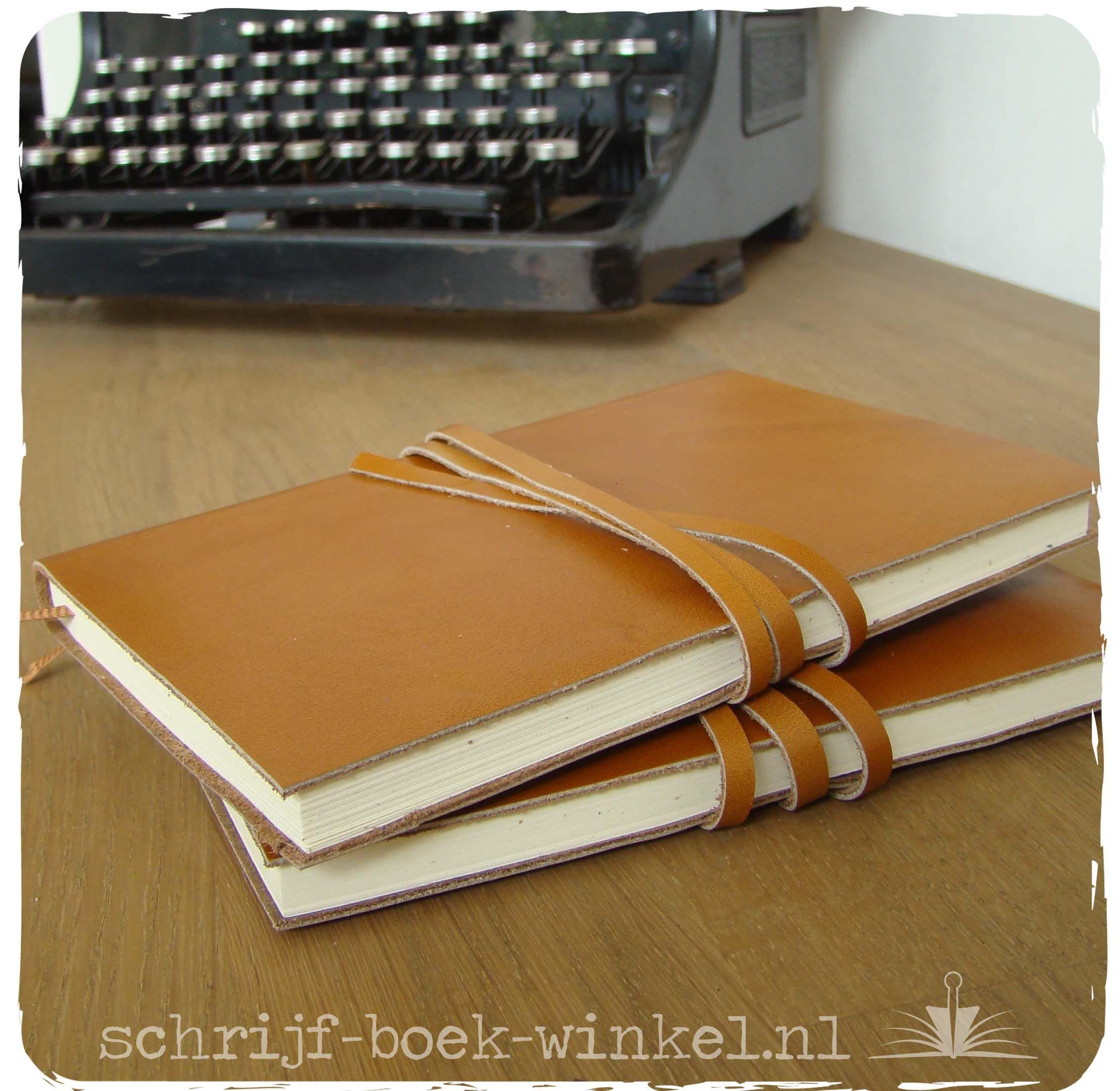 A6 notitieboeken met handgemaakte kaft van stevig cognackleurig leer. Verkocht. Info? mail info@schrijf-boek-winkel.nl