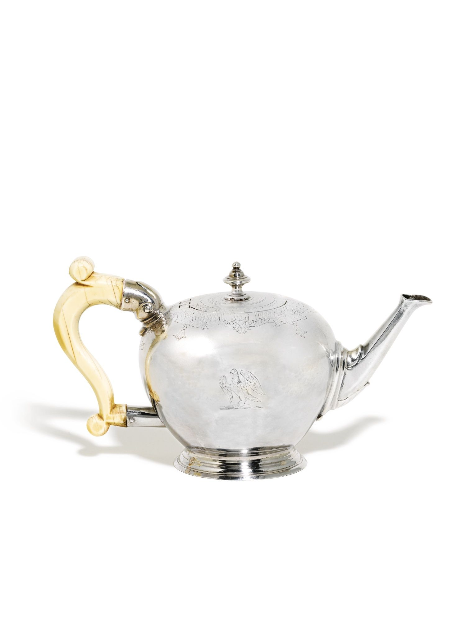 A George I silver bullet-shaped teapot, William Fawdery, London, 1723