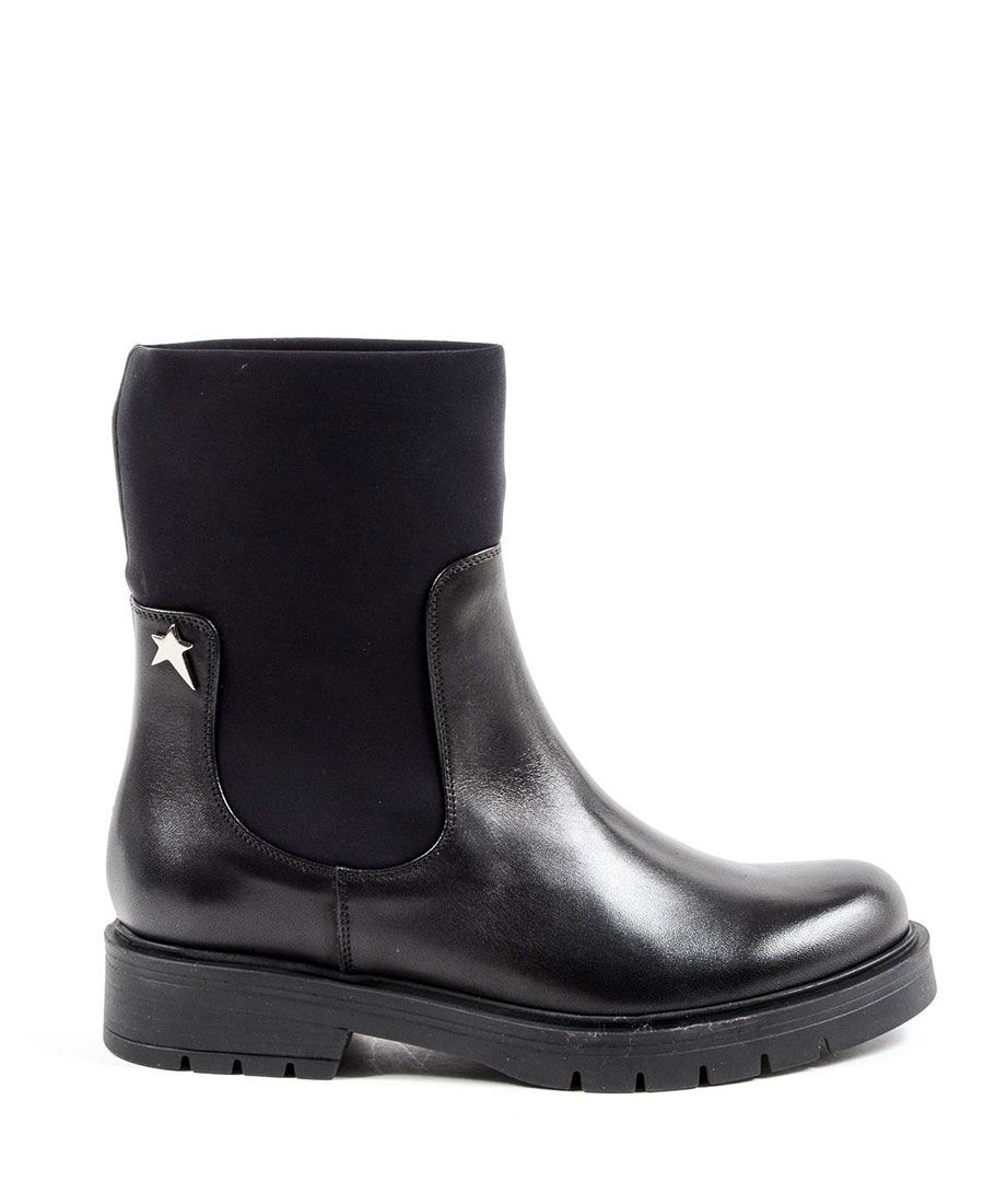 Pin su Woman's Ankle Boots