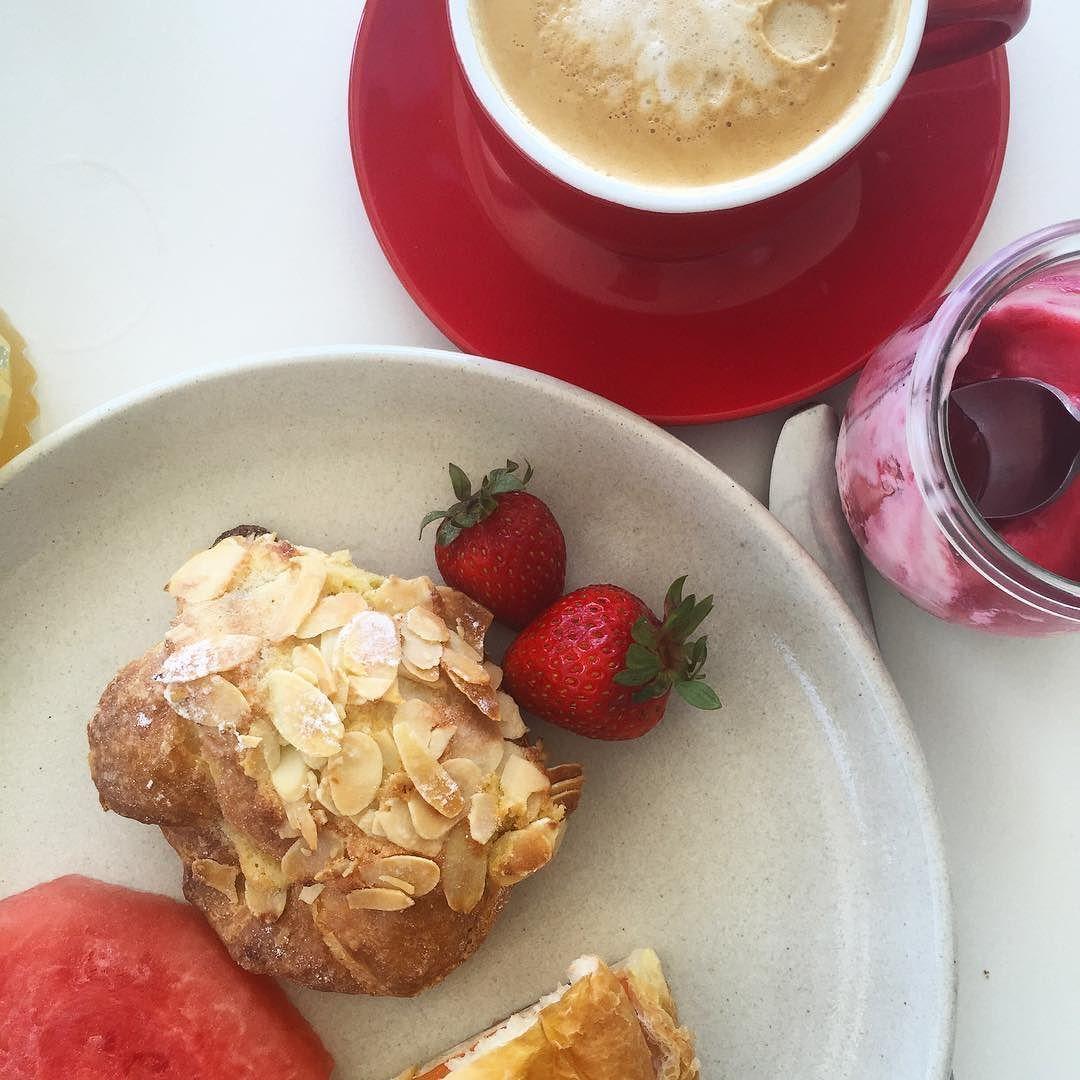 Fresh fruit yoghurt almond croissant & coffee- looking good this morning on the terrace at #cucinavivogc #yum #coffee #instafood #delicious #pastry #visitgoldcoast #thisisqueensland #restaurantaustralia