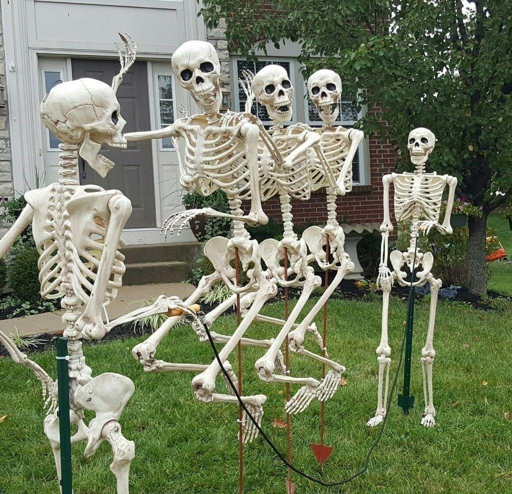 30+ Modern Halloween Theme Garden Decor Ideas That