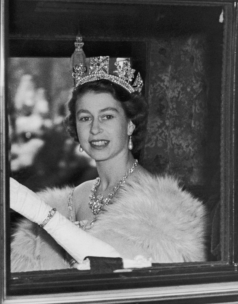 Queen Elizabeth turns 90 her life in 20 gorgeous photos – For Her
