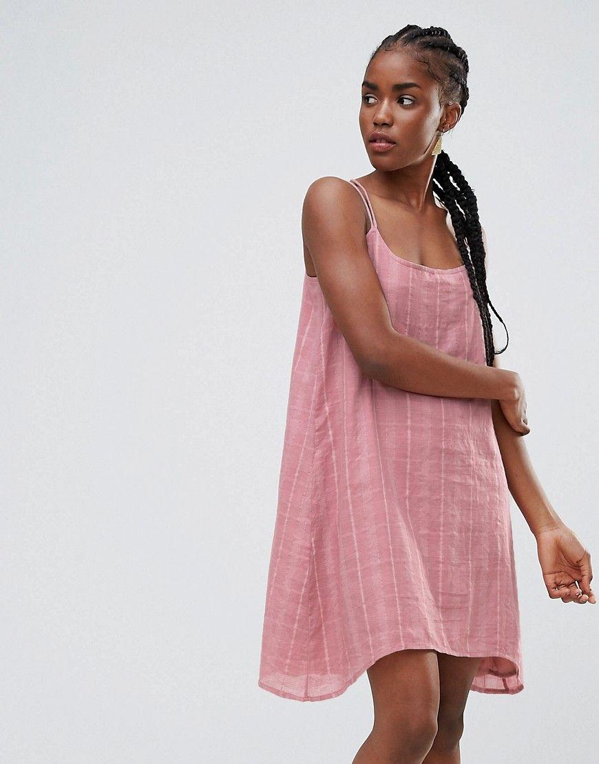 Consigue este tipo de vestido informal de Bellfield ahora! Haz clic ...