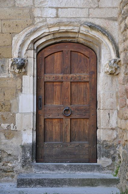 Salon de provence 16 pinterest doors gates and portal for Open the door salon de provence