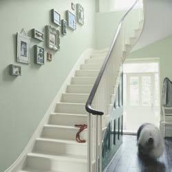 d coration pour cage d 39 escalier staircase wall decoration ce qui m 39 inspire am nagement a. Black Bedroom Furniture Sets. Home Design Ideas