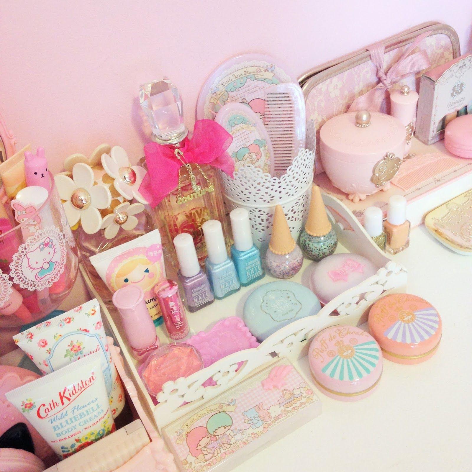 Kawaii Life and Pink Everything + Lolita fashion   Home decor ...