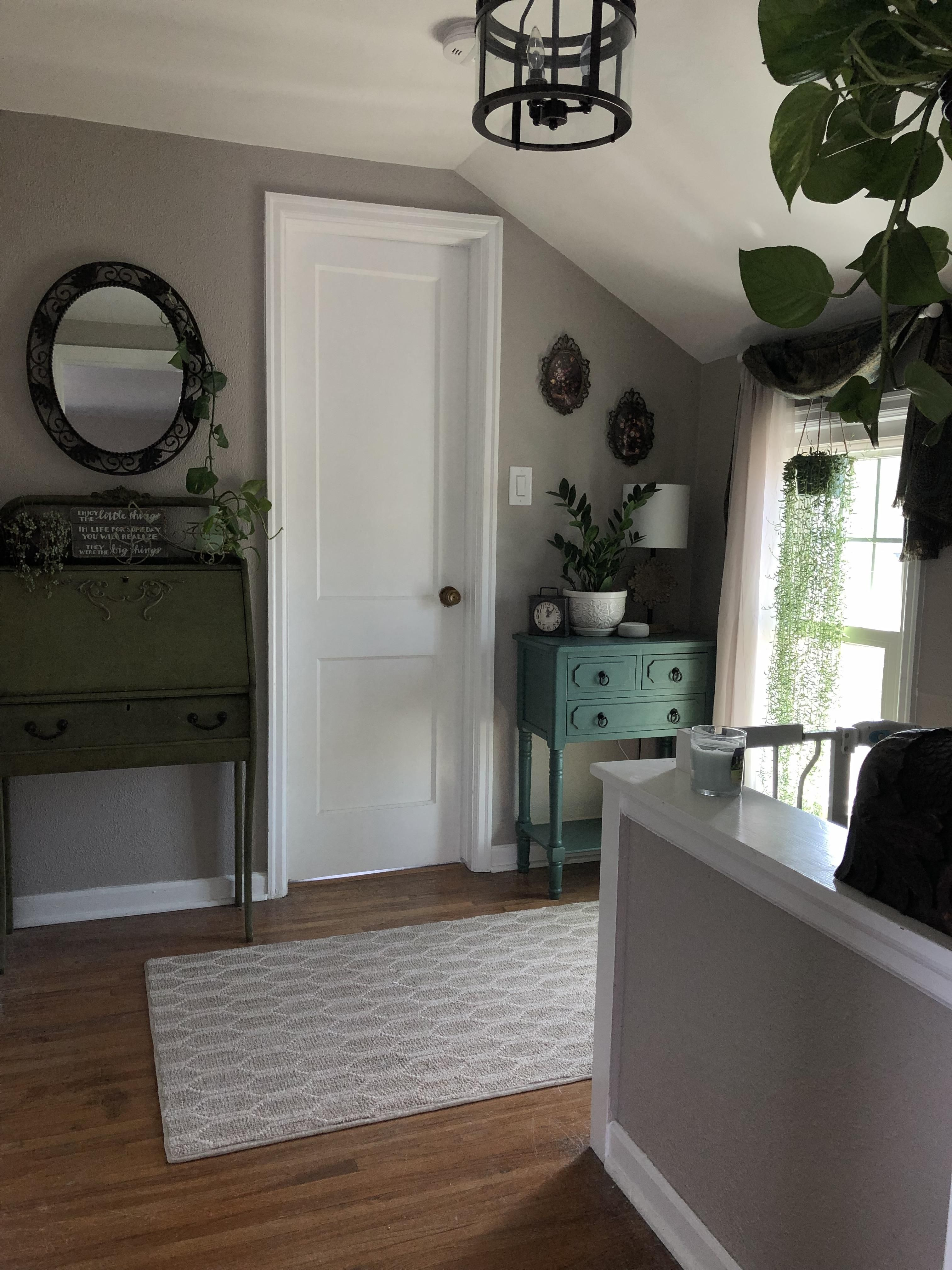 My Cozy Top Of The Stairs 7 Foot Ceilings Check Out Desigedecors Com To Get More Inspiration Interiordesig Home Interior Design Interior Dsign House Interior