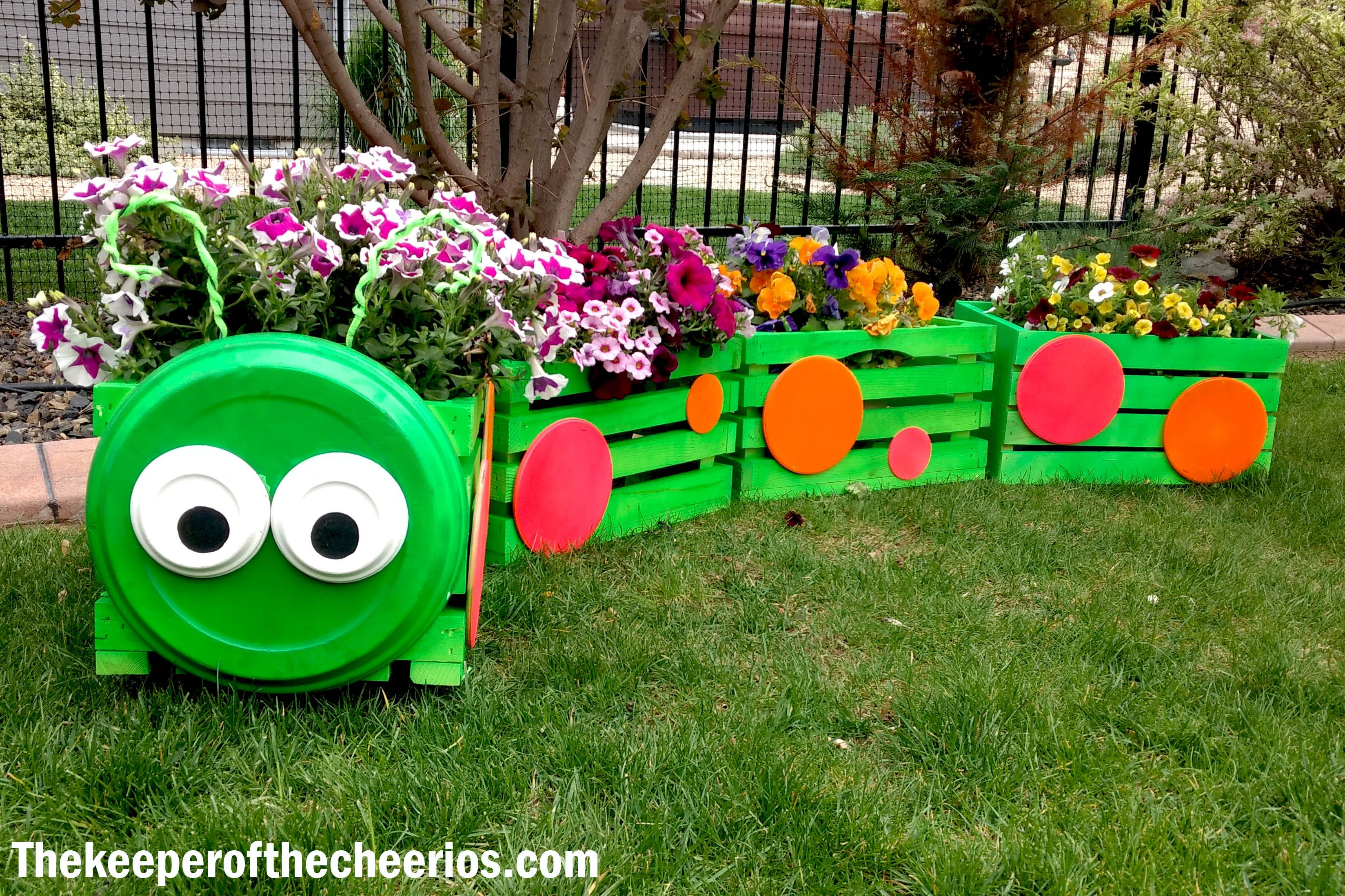 Caterpillar Crate Planter Wooden Crates Planters Planter Pots Outdoor Crates