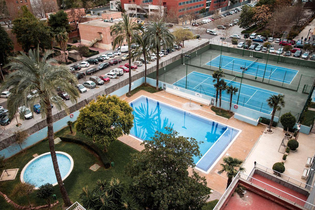 Hotel Medium Valencia Spain Review Palm Trees Swimming Pools Hotel Swimming Pools Pool