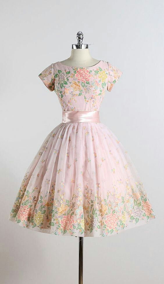1950s applique & embroidered dress