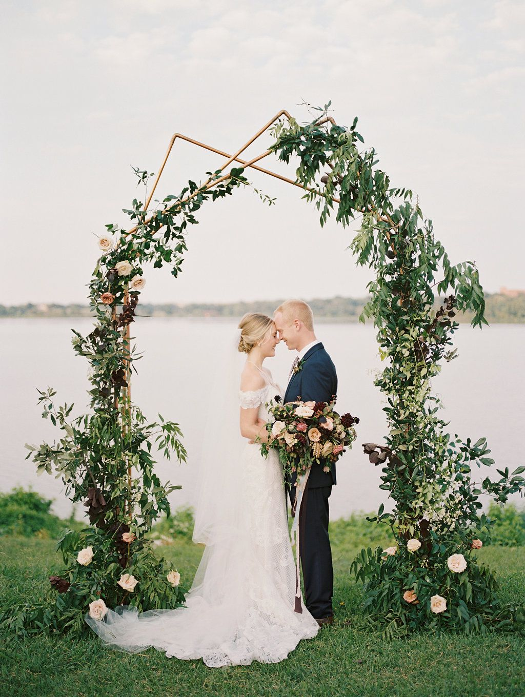 Kemmerley and Michael's Dreamy Waterfront Wedding in Texas ...